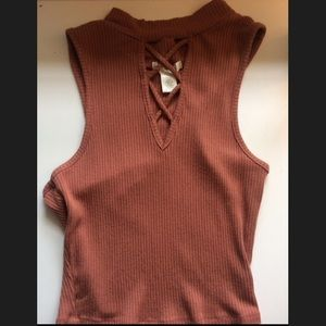 NWOT Bozzolo Ribbed Sleeveless Crop Top